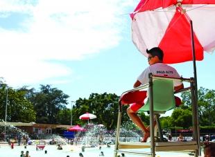 Palo Alto To Outsource Lifeguard Duties At Rinconada News Palo Alto Online