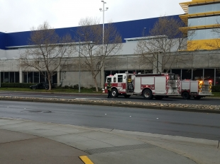 Car Crashes Into Ikea In East Palo Alto News Palo Alto Online