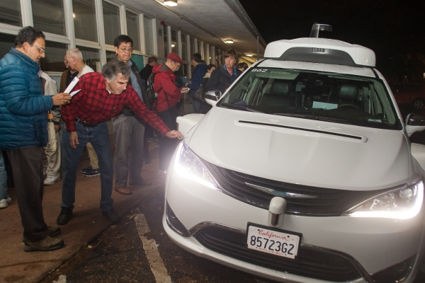 Caution, enthusiasm mix at Waymo meeting | News | Palo Alto Online |